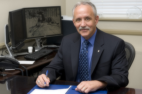 photo of Provost Tom Apple