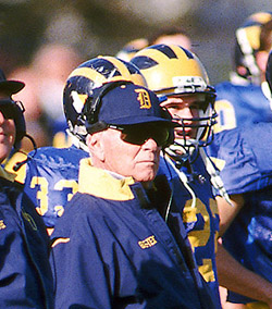 Tubby Raymond named to College Football Hall of Fame
