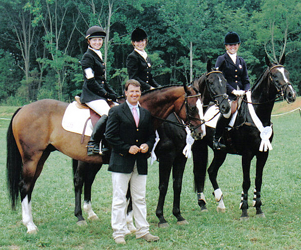 2 Students Compete On Junior Olympics Equestrian Team