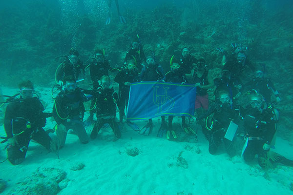 Ud Study Abroad >> UD marine science students dive deep into research during ...