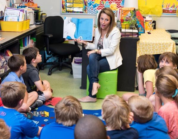 Sharon Walpole develops improved English curriculum for elementary ...